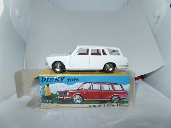 Atlas French Dinky 507 SIMCA 1500 BREAK ESTATE WHITE c/w Table